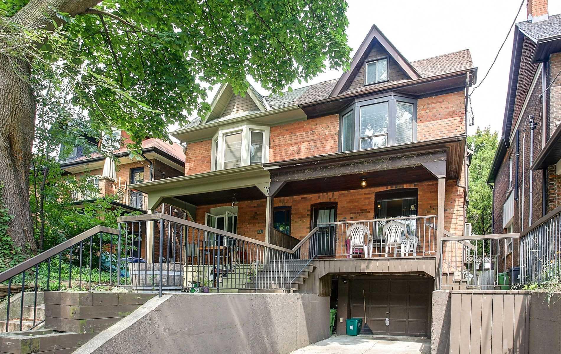 Duplex For Sale In Toronto , 3 Bedrooms Bedrooms, ,5 BathroomsBathrooms,Duplex,For Sale,Bloomfield