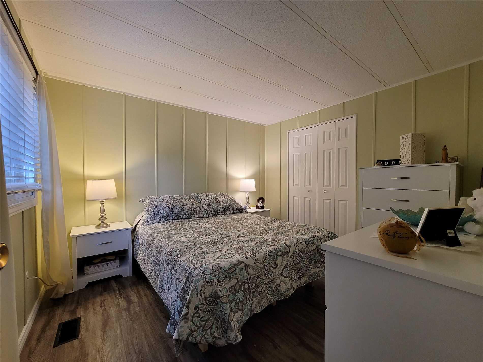 Mobile/trailer For Sale In Wasaga Beach , 3 Bedrooms Bedrooms, ,1 BathroomBathrooms,Mobile/trailer,For Sale,Georgian Glen