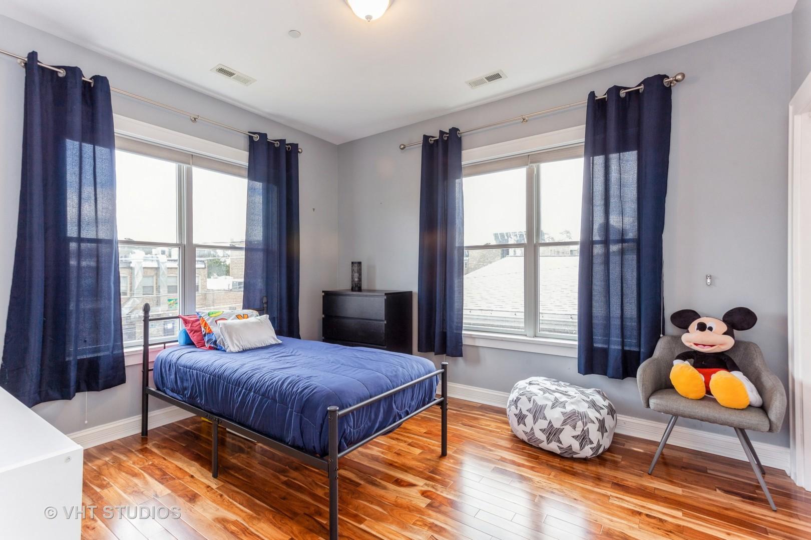 116 Grove Avenue, Oak Park, Illinois 60302, 3 Bedrooms Bedrooms, ,2 BathroomsBathrooms,Residential,For Sale,Grove,MRD11114903