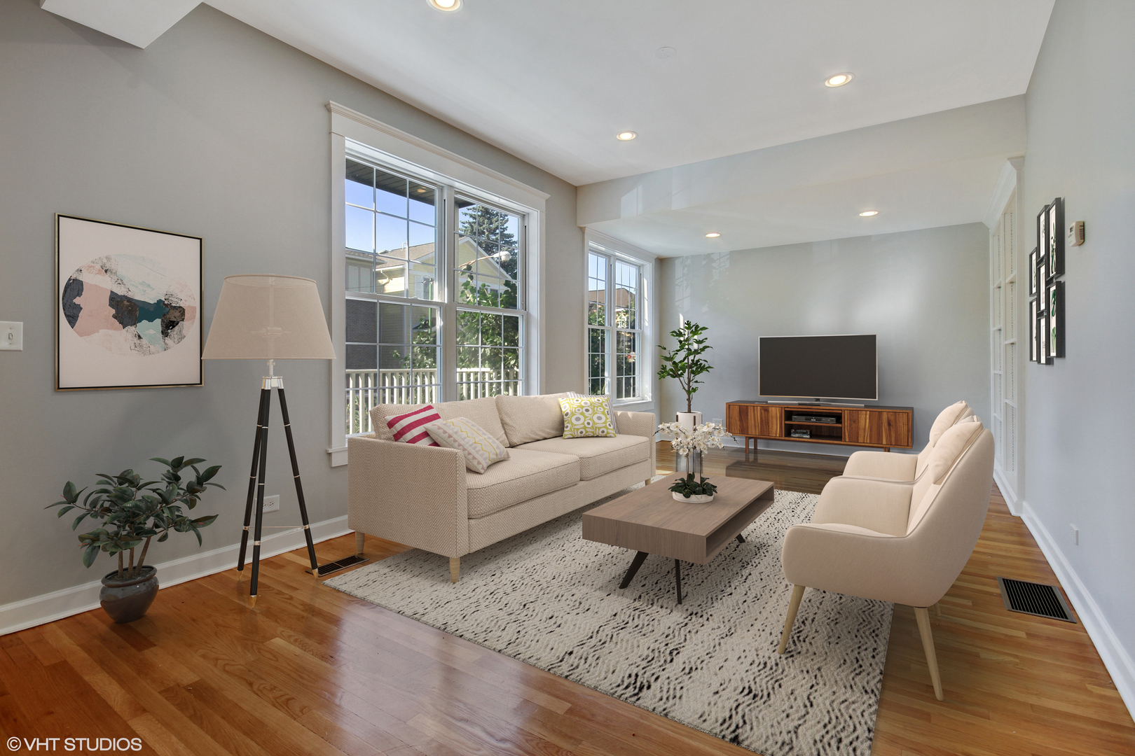 1220 Lill Avenue, Chicago, Illinois 60614, 3 Bedrooms Bedrooms, ,3 BathroomsBathrooms,Residential,For Sale,Lill,MRD11121123