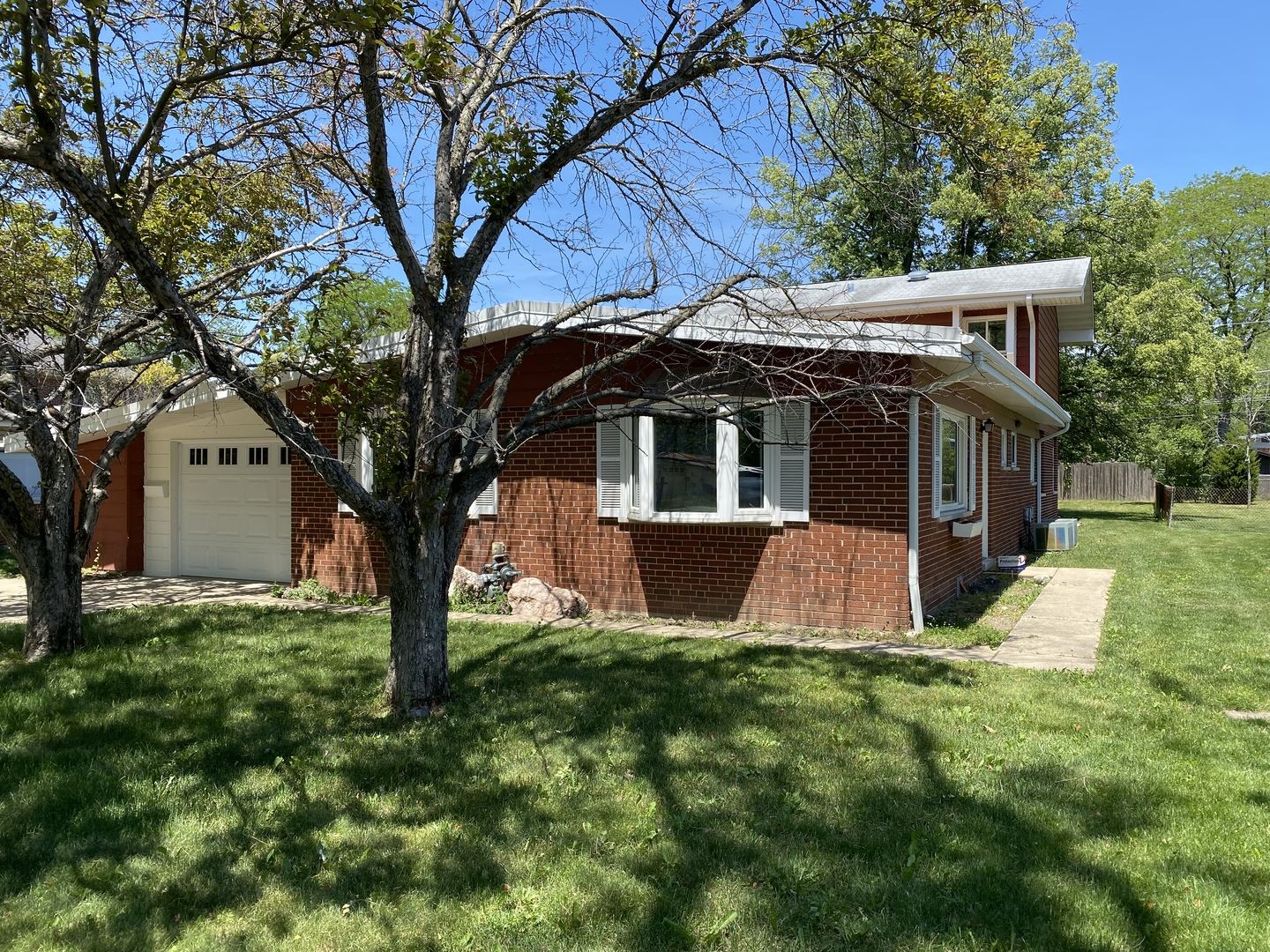 4626 Lilac Avenue, Glenview, Illinois 60025, 4 Bedrooms Bedrooms, ,3 BathroomsBathrooms,Residential,For Sale,Lilac,MRD11149880