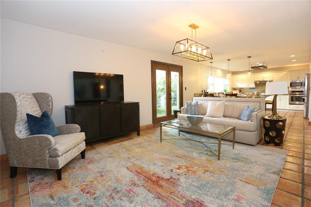 571 LUZON AVENUE, TAMPA, Florida 33606, 4 Bedrooms Bedrooms, ,3 BathroomsBathrooms,Residential,For Sale,LUZON,MFRT3324676