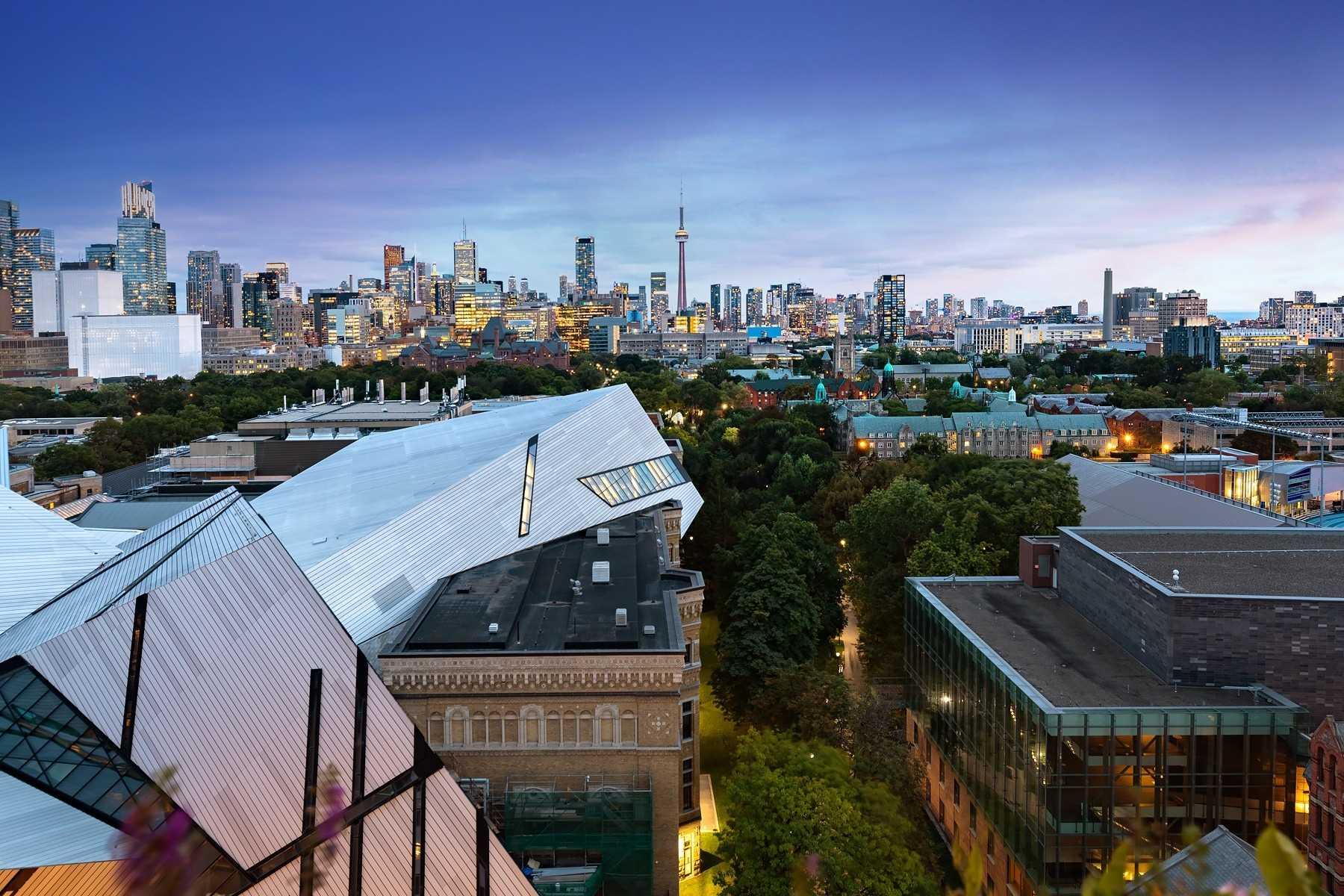 206 Bloor St, Toronto, Ontario M5S1T8, 2 Bedrooms Bedrooms, 9 Rooms Rooms,3 BathroomsBathrooms,Condo Apt,For Sale,Bloor,C5344505