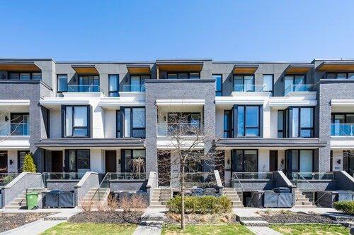 265 Roxton Rd, Toronto, Ontario M6G3R1, 3 Bedrooms Bedrooms, 7 Rooms Rooms,5 BathroomsBathrooms,Att/row/twnhouse,For Sale,Roxton,C5345694