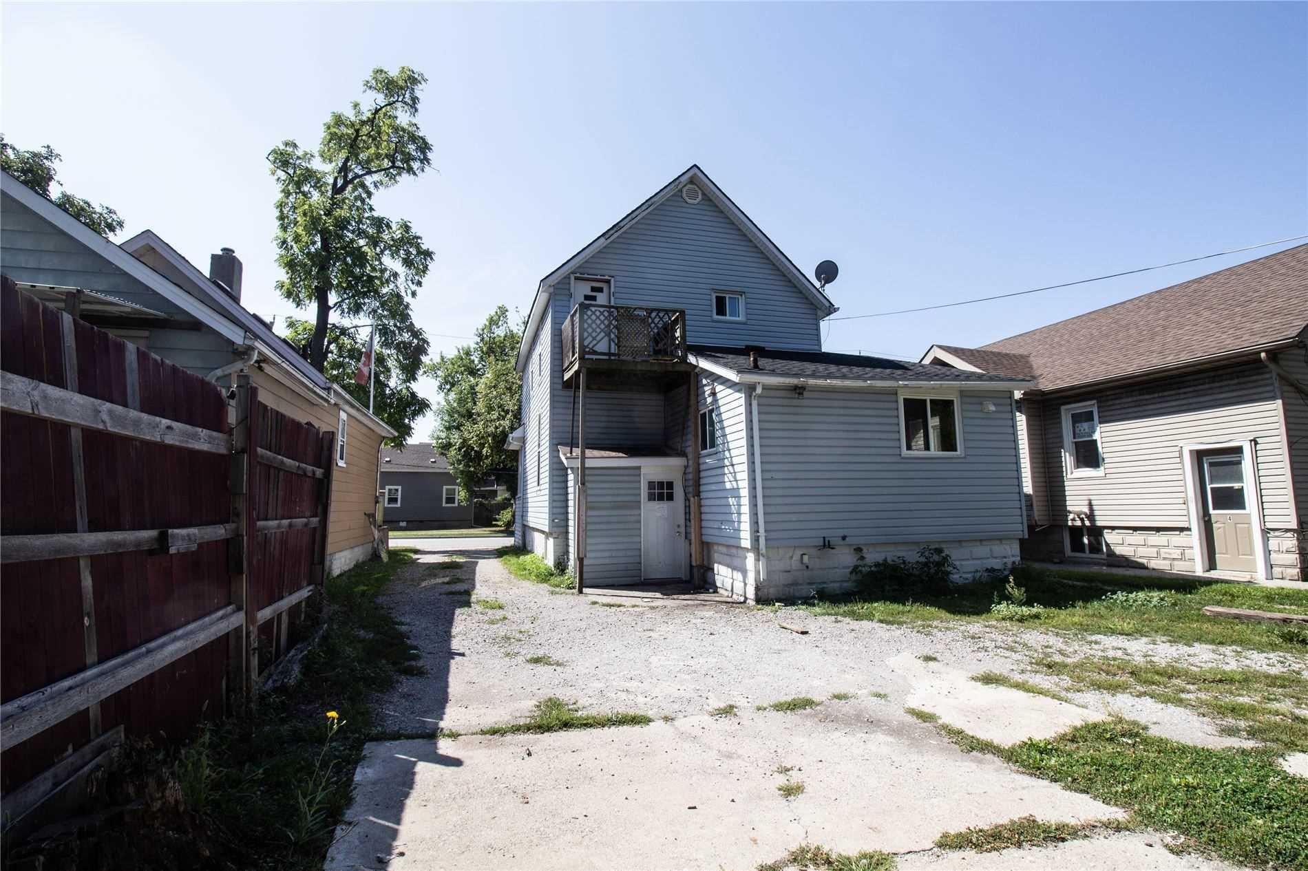 316 Confederation St, Sarnia, Ontario N7T 2A5, 1 Bedroom Bedrooms, 6 Rooms Rooms,2 BathroomsBathrooms,Detached,For Sale,Confederation,X5345845