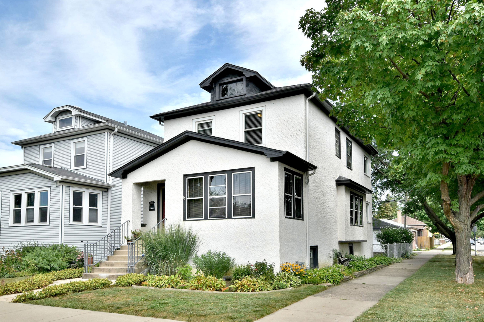 1247 Gunderson Avenue, Berwyn, Illinois 60402, 3 Bedrooms Bedrooms, ,1 BathroomBathrooms,Residential,For Sale,Gunderson,MRD11193004