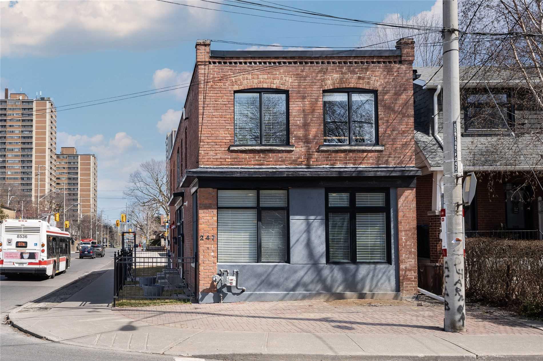 Fourplex For Lease In Toronto