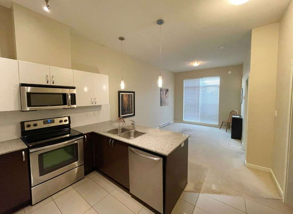 13728 108 Ave, Out of Area, British Columbia V3T 0G2, 1 Bedroom Bedrooms, ,1 BathroomBathrooms,Condo Apt,For Sale,108,X5350941