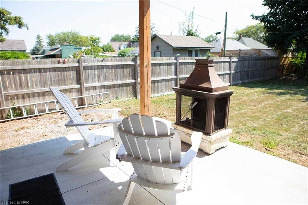 16 Ball Ave, St. Catharines, Ontario L2T 1B5, 2 Bedrooms Bedrooms, 9 Rooms Rooms,2 BathroomsBathrooms,Detached,For Sale,Ball,X5351118