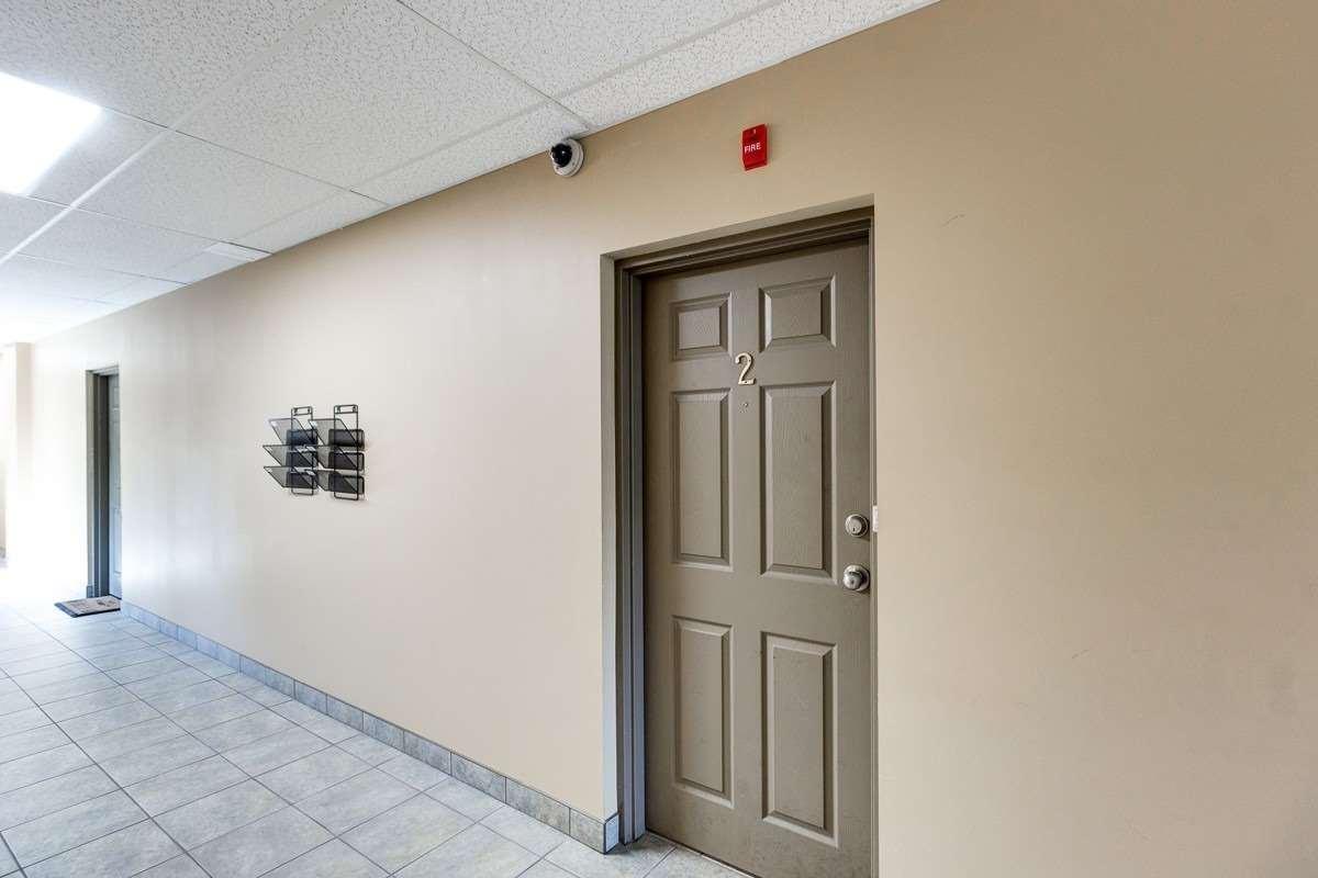 29 Chestnut St, St. Catharines, Ontario L2T 1G8, 2 Bedrooms Bedrooms, 6 Rooms Rooms,5 BathroomsBathrooms,Multiplex,For Sale,Chestnut,X5351183