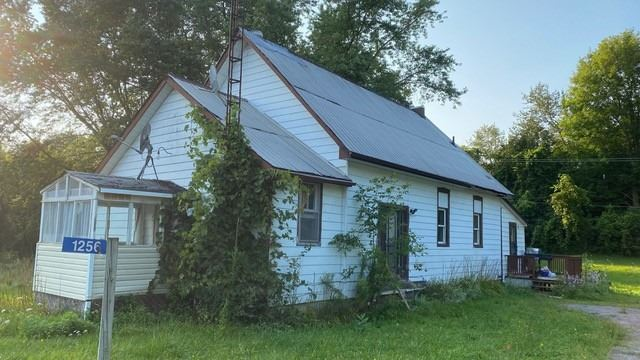Detached house For Sale In Quinte West