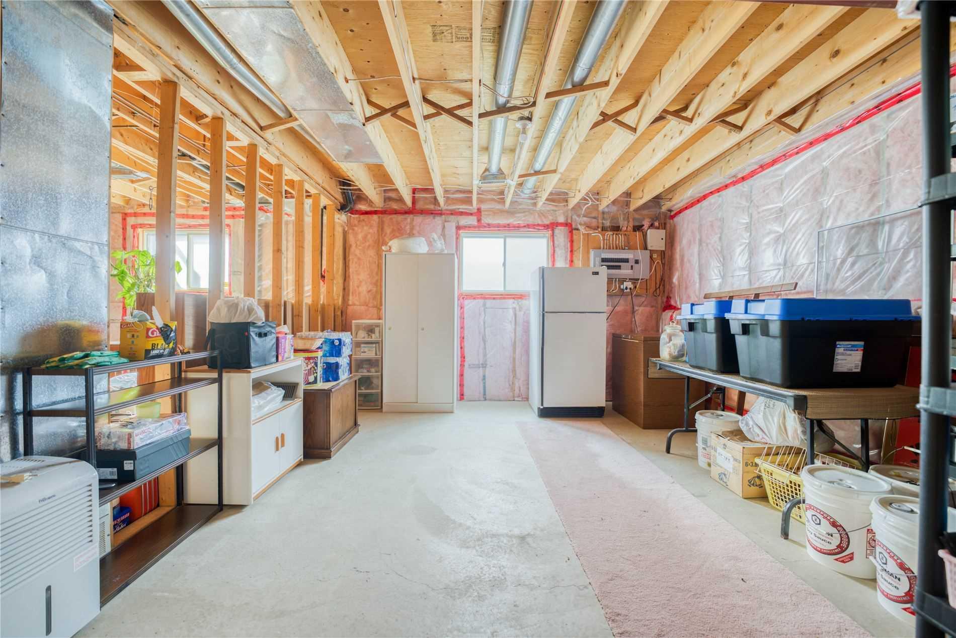 2492 Northwood St, Windsor, Ontario N9E 4N7, 3 Bedrooms Bedrooms, 7 Rooms Rooms,3 BathroomsBathrooms,Detached,For Sale,Northwood,X5351907