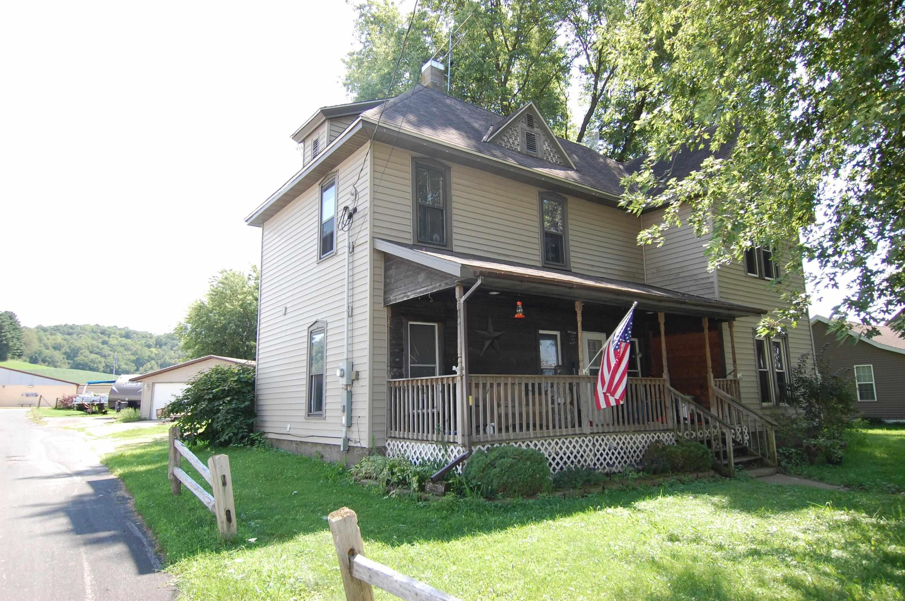 24737 Hwy 58, Ithaca, Wisconsin 53581, 5 Bedrooms Bedrooms, ,2 BathroomsBathrooms,Single Family,For Sale,Hwy 58,1918392