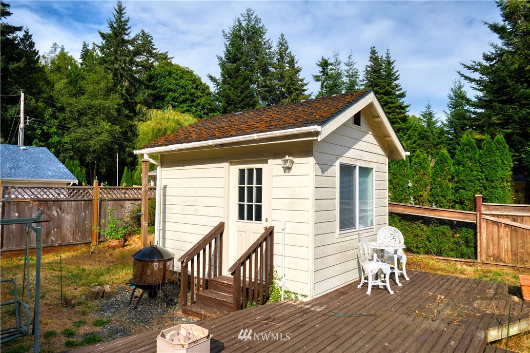 542 Boundary Road, Point Roberts, Washington 98281, 2 Bedrooms Bedrooms, ,1 BathroomBathrooms,Residential,For Sale,Boundary,NWM1825247
