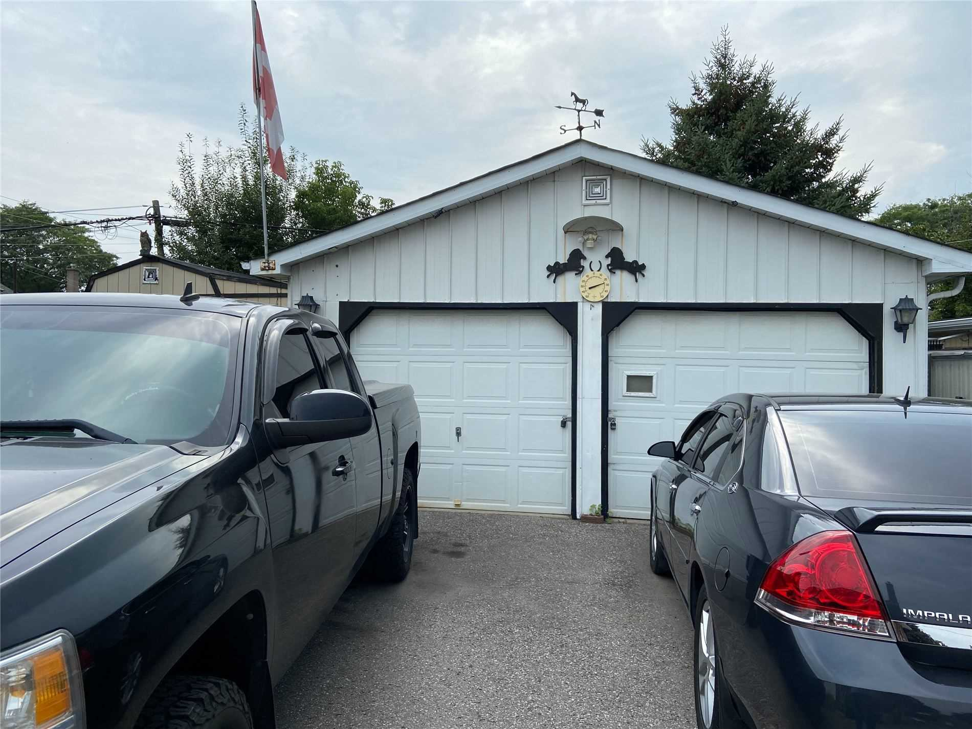 272 Guelph St, Oshawa, Ontario L1H 6J4, 2 Bedrooms Bedrooms, 6 Rooms Rooms,2 BathroomsBathrooms,Detached,For Sale,Guelph,E5352438