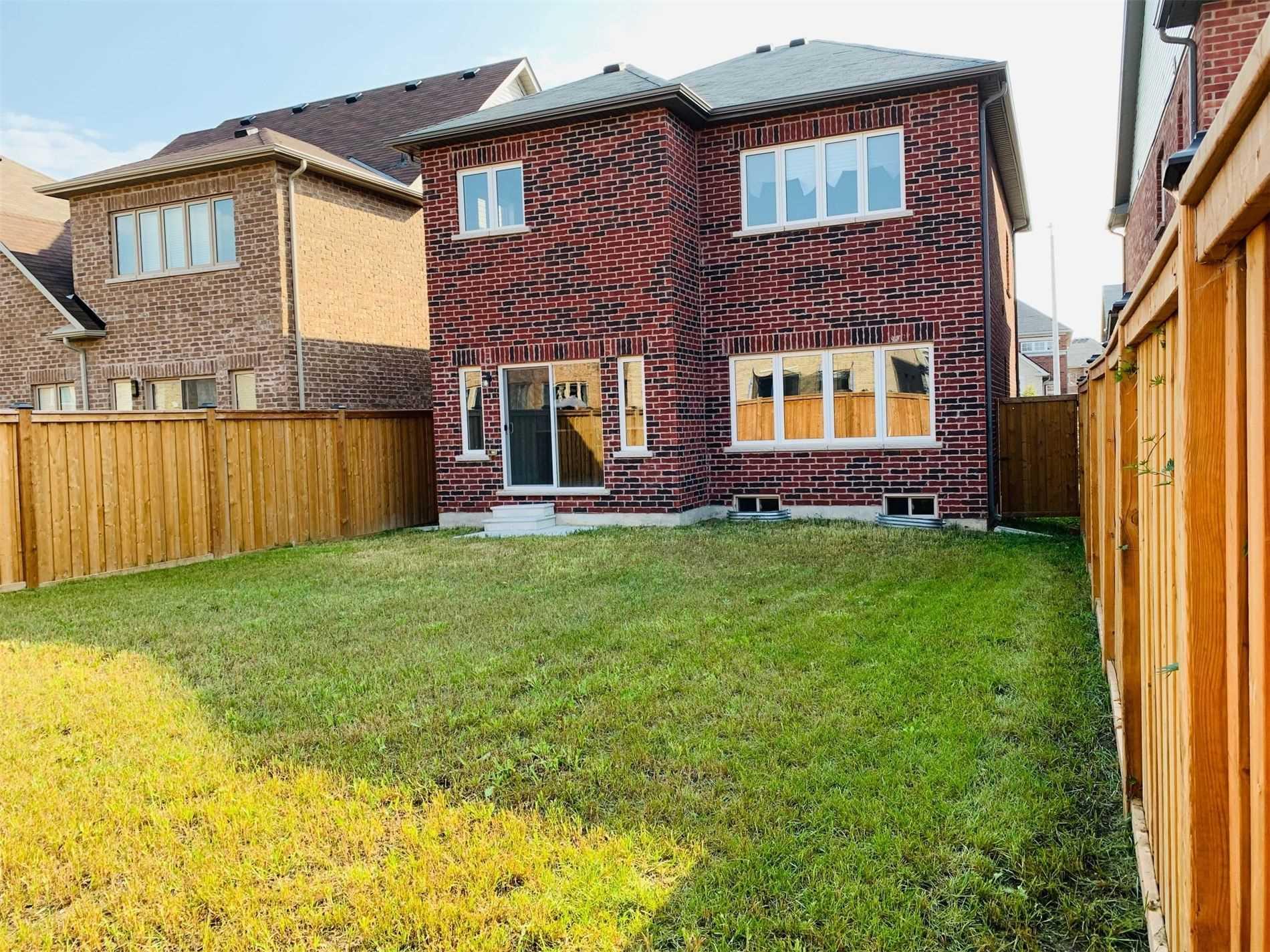 1445 Mcroberts Cres, Innisfil, Ontario L9S0J9, 3 Bedrooms Bedrooms, 7 Rooms Rooms,3 BathroomsBathrooms,Detached,For Sale,Mcroberts,N5352282