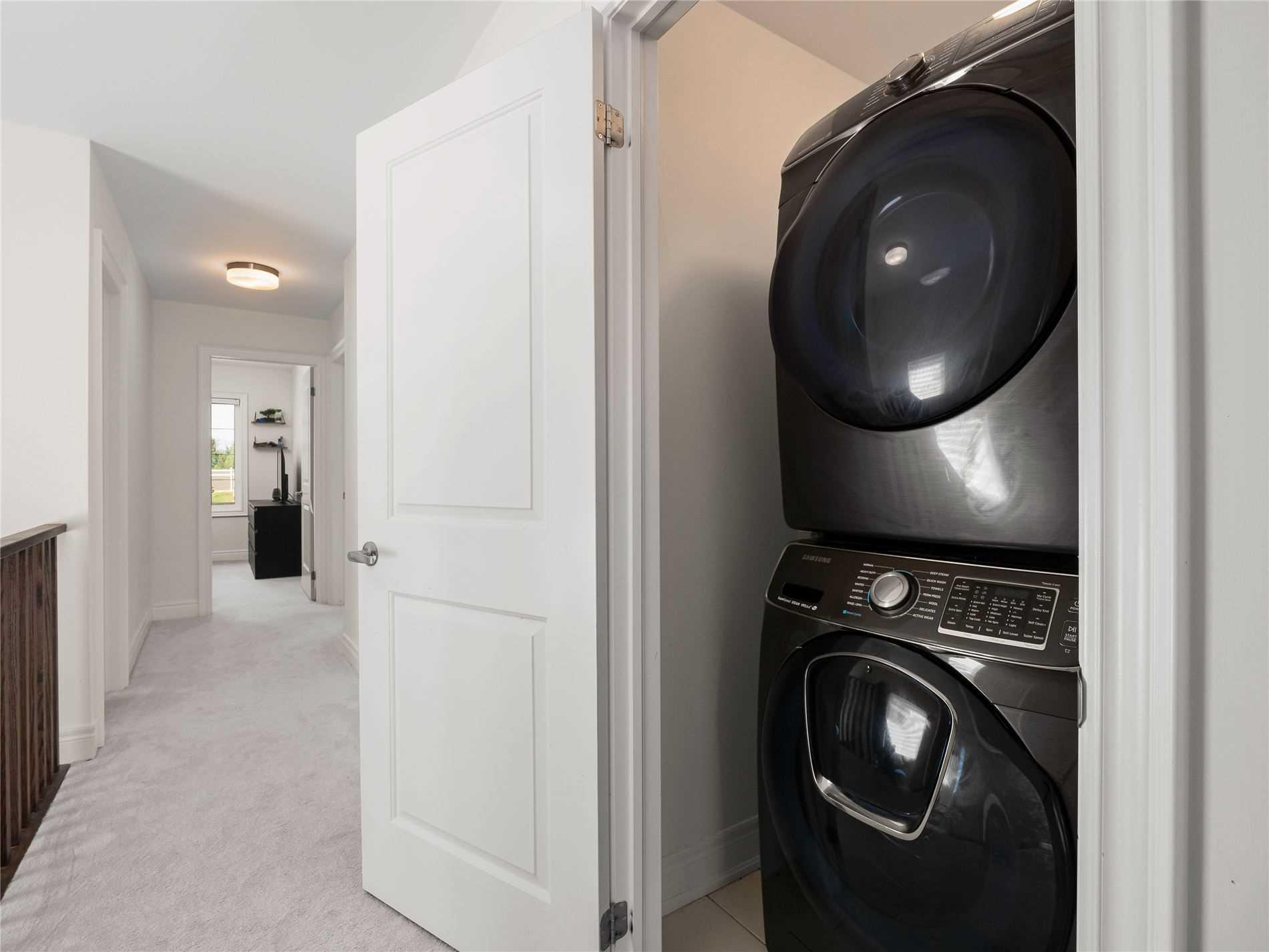 1993 Mcneil St, Innisfil, Ontario L9S 0N8, 4 Bedrooms Bedrooms, 8 Rooms Rooms,3 BathroomsBathrooms,Detached,For Sale,Mcneil,N5352493