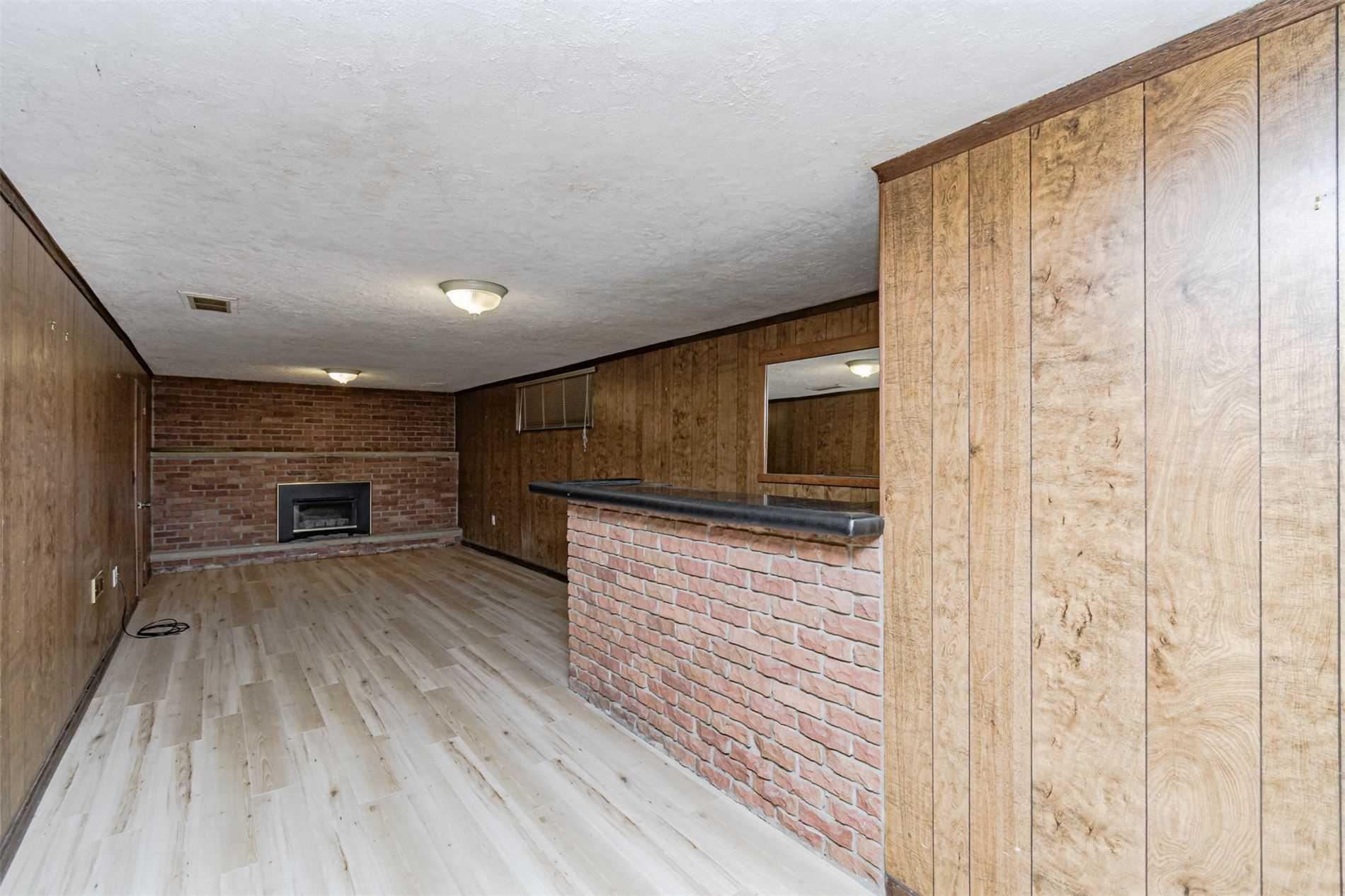 198 Fairfax Pl, Burlington, Ontario L7L4S8, 3 Bedrooms Bedrooms, 6 Rooms Rooms,3 BathroomsBathrooms,Detached,For Sale,Fairfax,W5352631