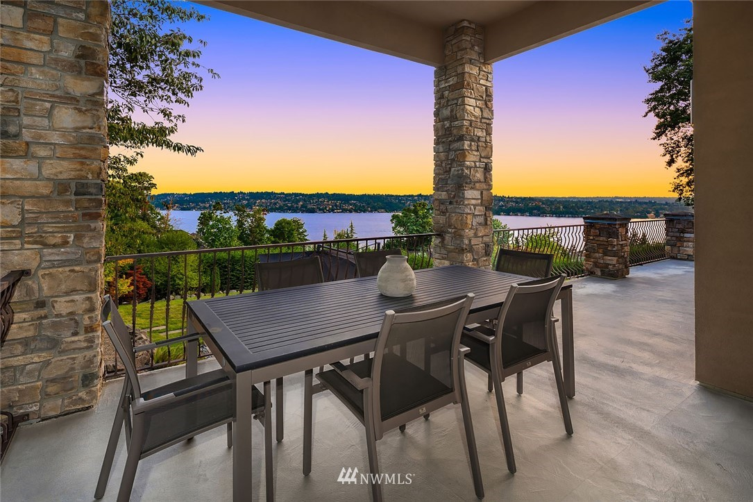 7814 79th Avenue, Mercer Island, Washington 98040, 5 Bedrooms Bedrooms, ,2 BathroomsBathrooms,Residential,For Sale,79th,NWM1827685