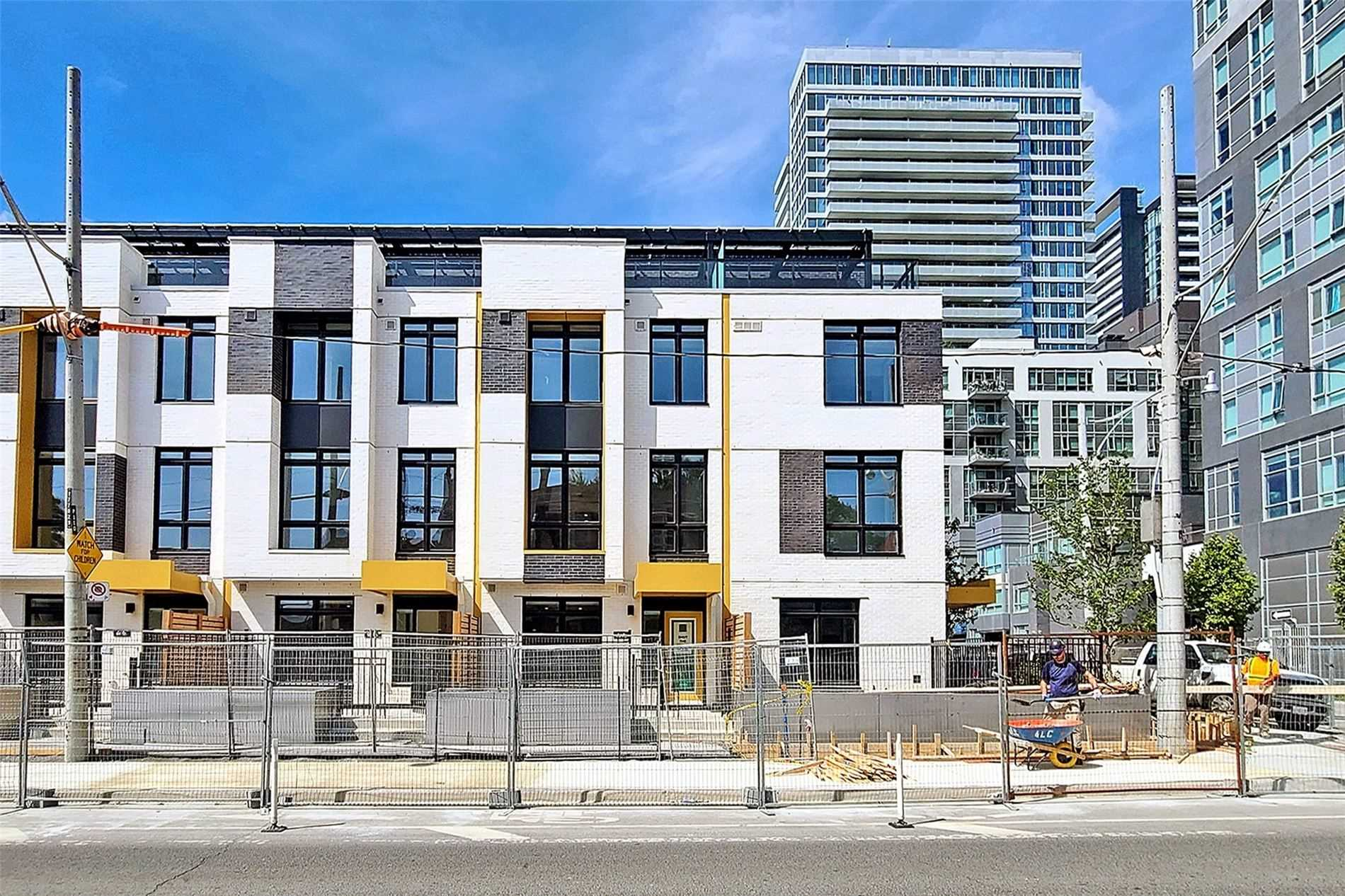 100 River St, Toronto, Ontario M5A 3P3, 3 Bedrooms Bedrooms, 5 Rooms Rooms,3 BathroomsBathrooms,Condo Townhouse,For Sale,River,C5353386