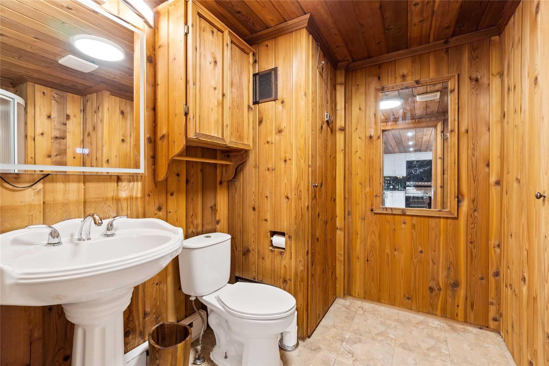 2547 Leonard St, Innisfil, Ontario L9S 3V3, 3 Bedrooms Bedrooms, 5 Rooms Rooms,2 BathroomsBathrooms,Detached,For Sale,Leonard,N5354162