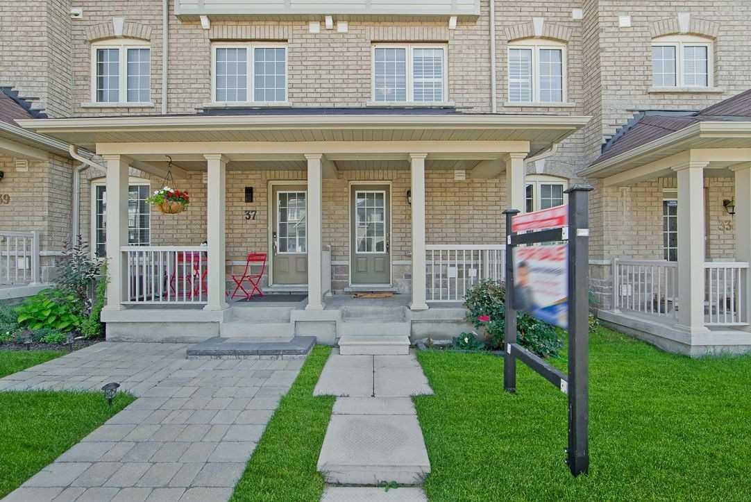 35 Mortlock St, Ajax, Ontario L1Z 0T1, 3 Bedrooms Bedrooms, 7 Rooms Rooms,2 BathroomsBathrooms,Att/Row/Twnhouse,For Sale,Mortlock,E5354113