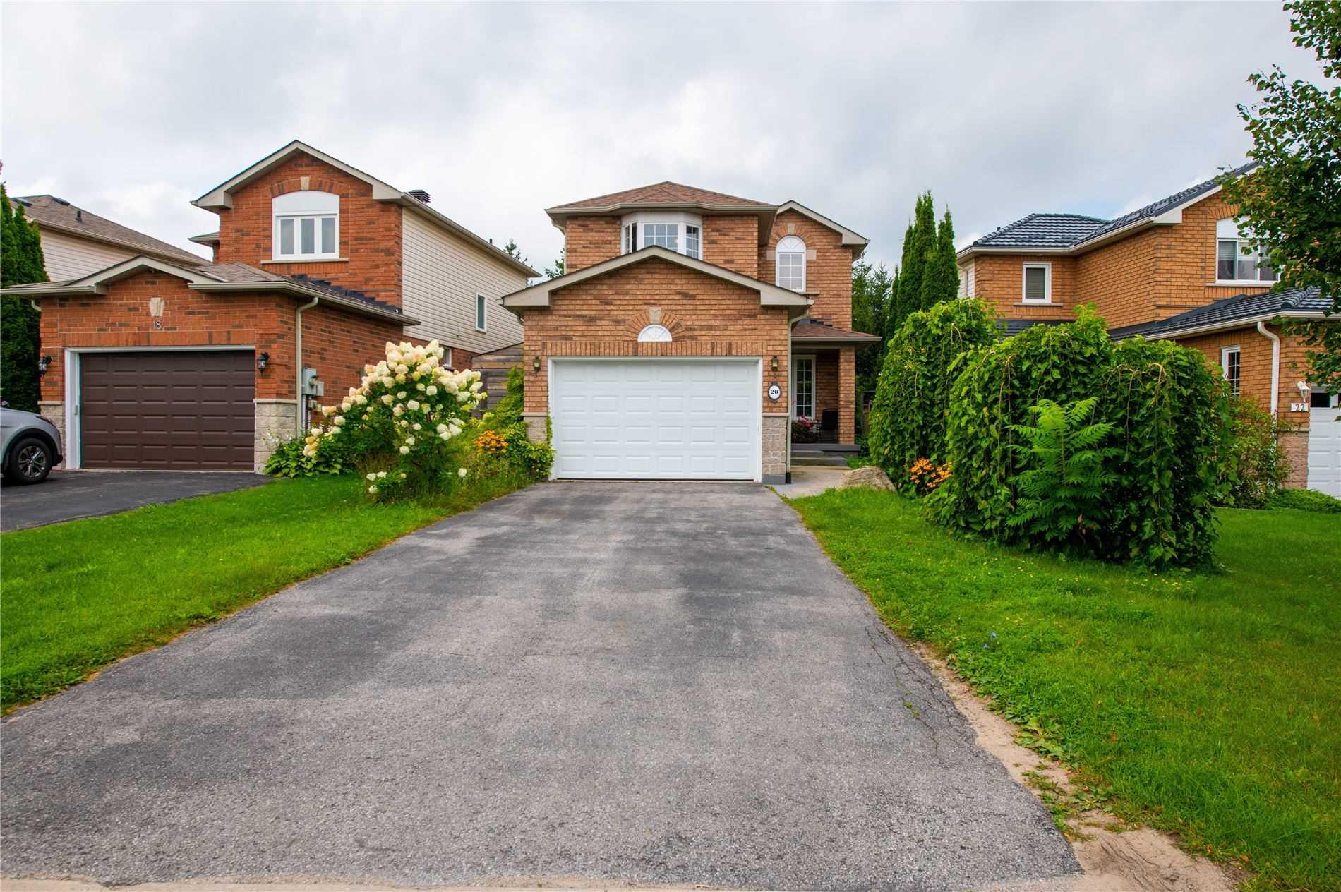 20 Bluegrass Dr, Barrie, Ontario L4N9N9, 3 Bedrooms Bedrooms, 6 Rooms Rooms,2 BathroomsBathrooms,Detached,For Sale,Bluegrass,S5354226