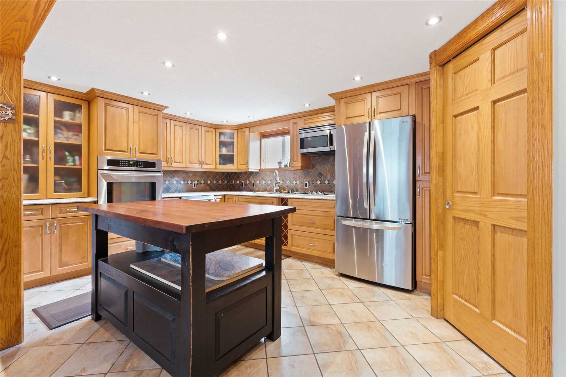 207 Christopher Dr, Cambridge, Ontario N1R 4S6, 3 Bedrooms Bedrooms, 12 Rooms Rooms,2 BathroomsBathrooms,Detached,For Sale,Christopher,X5354161