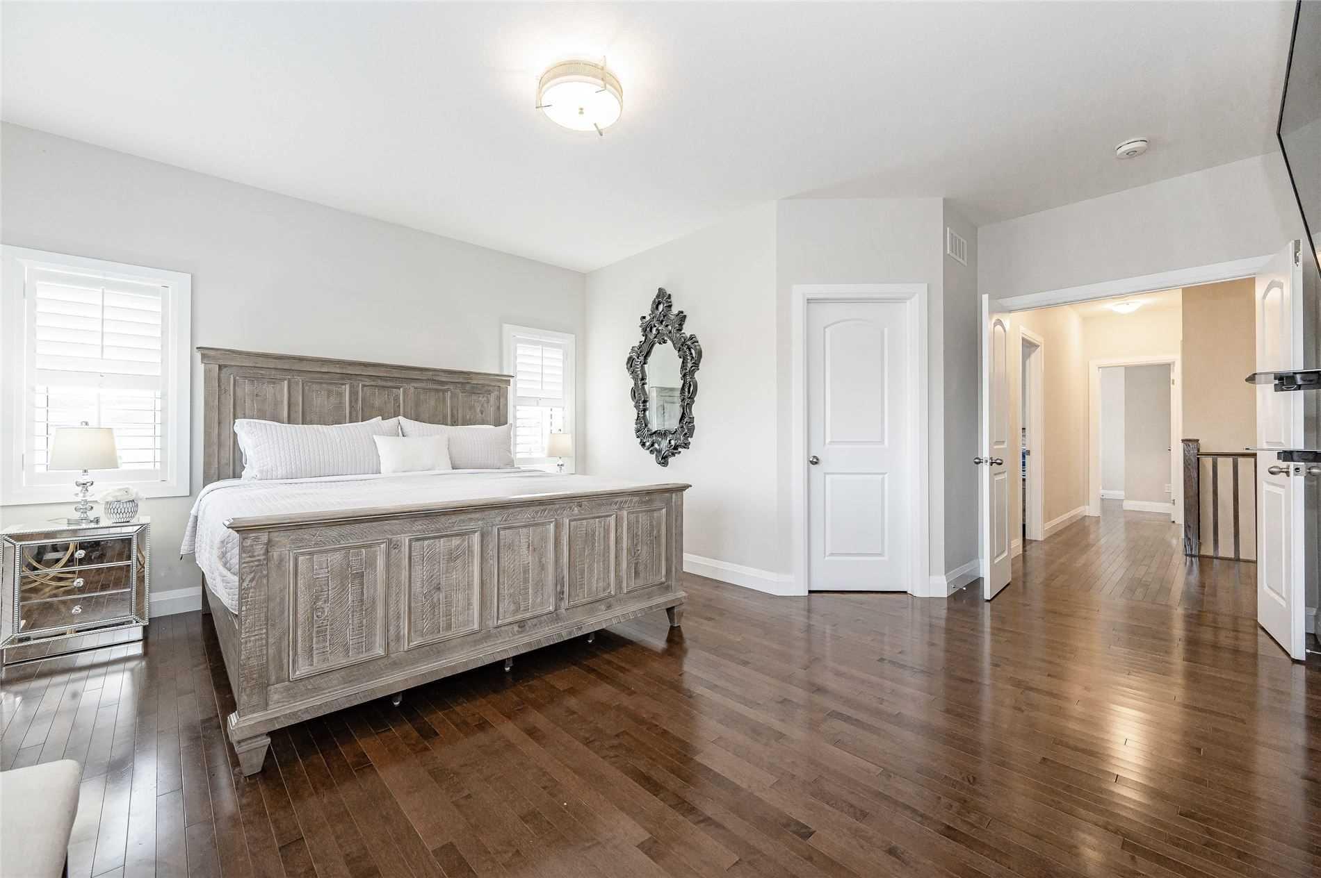 2 Parkvale Dr, Kitchener, Ontario N2R 1R1, 4 Bedrooms Bedrooms, 12 Rooms Rooms,4 BathroomsBathrooms,Detached,For Sale,Parkvale,X5354110