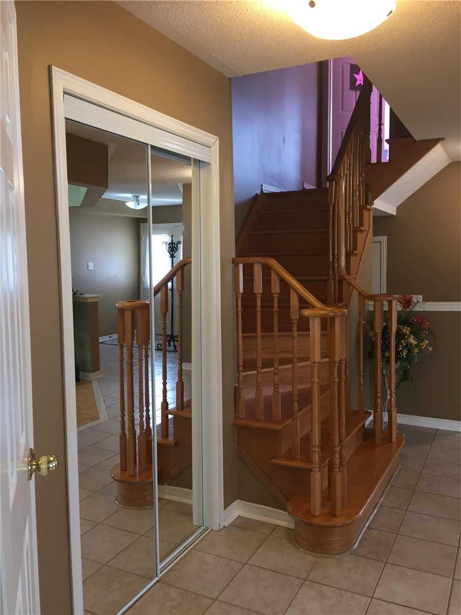 24 Echo Ridge Cres, Vaughan, Ontario L4H2J9, 4 Bedrooms Bedrooms, 7 Rooms Rooms,3 BathroomsBathrooms,Semi-Detached,For Sale,Echo Ridge,N5354567