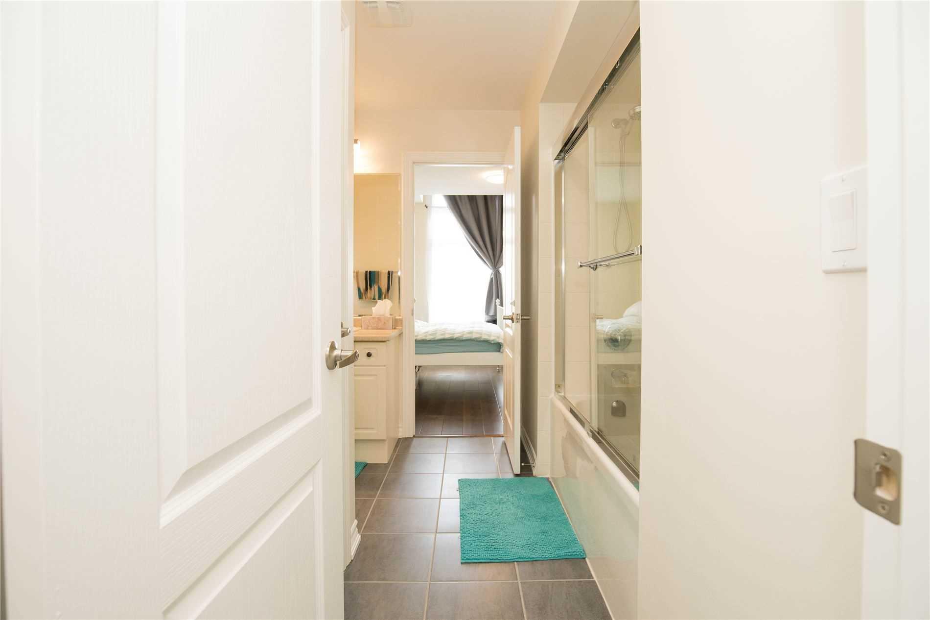 19 Elmcrest Dr, Brampton, Ontario L6Y5T7, 5 Bedrooms Bedrooms, 9 Rooms Rooms,4 BathroomsBathrooms,Detached,For Sale,Elmcrest,W5354786