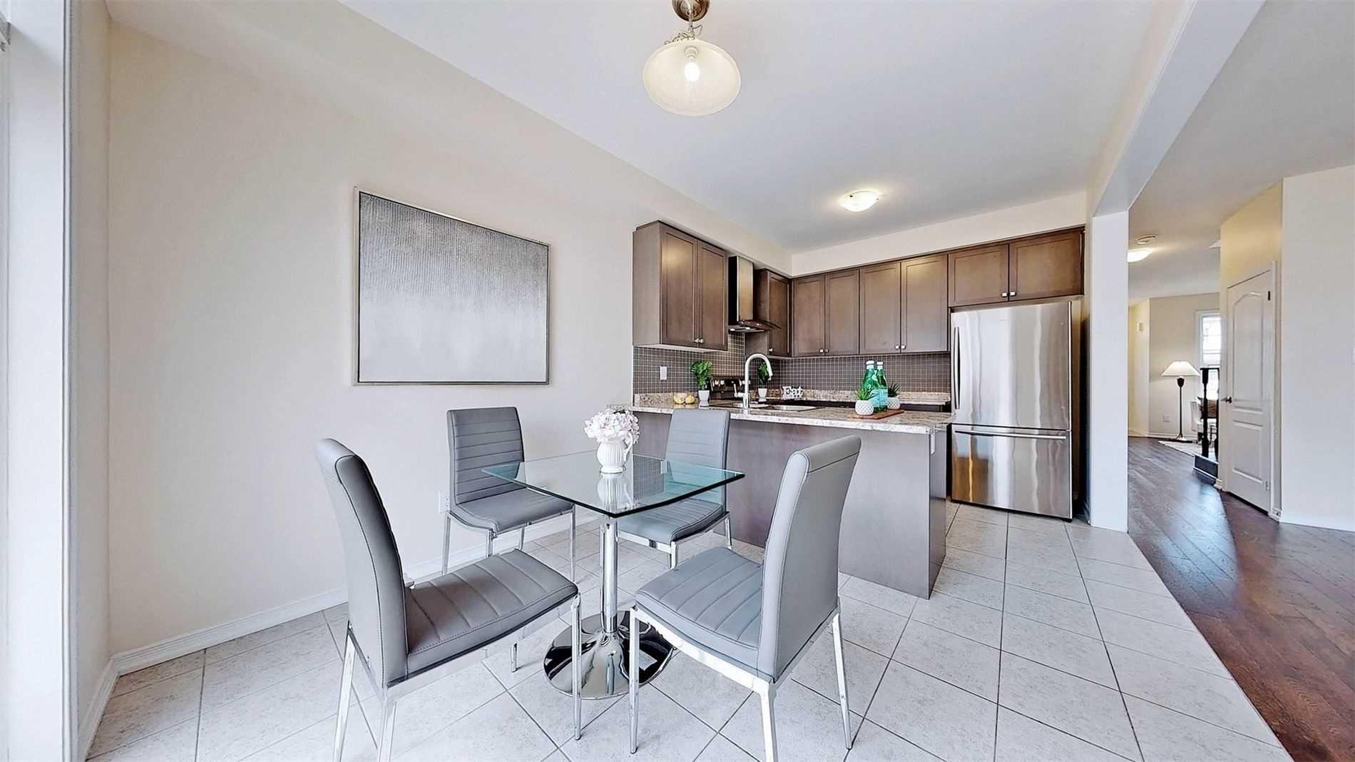 53 Munro Circ, Brantford, Ontario N3T0R5, 4 Bedrooms Bedrooms, 7 Rooms Rooms,3 BathroomsBathrooms,Detached,For Sale,Munro,X5354700
