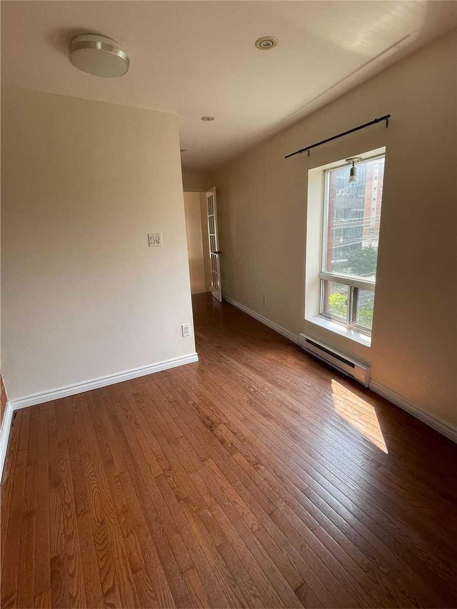 Upper Level For Lease In Toronto , 1 Bedroom Bedrooms, ,1 BathroomBathrooms,Upper Level,For Lease,3rd Fl,Sherbourne