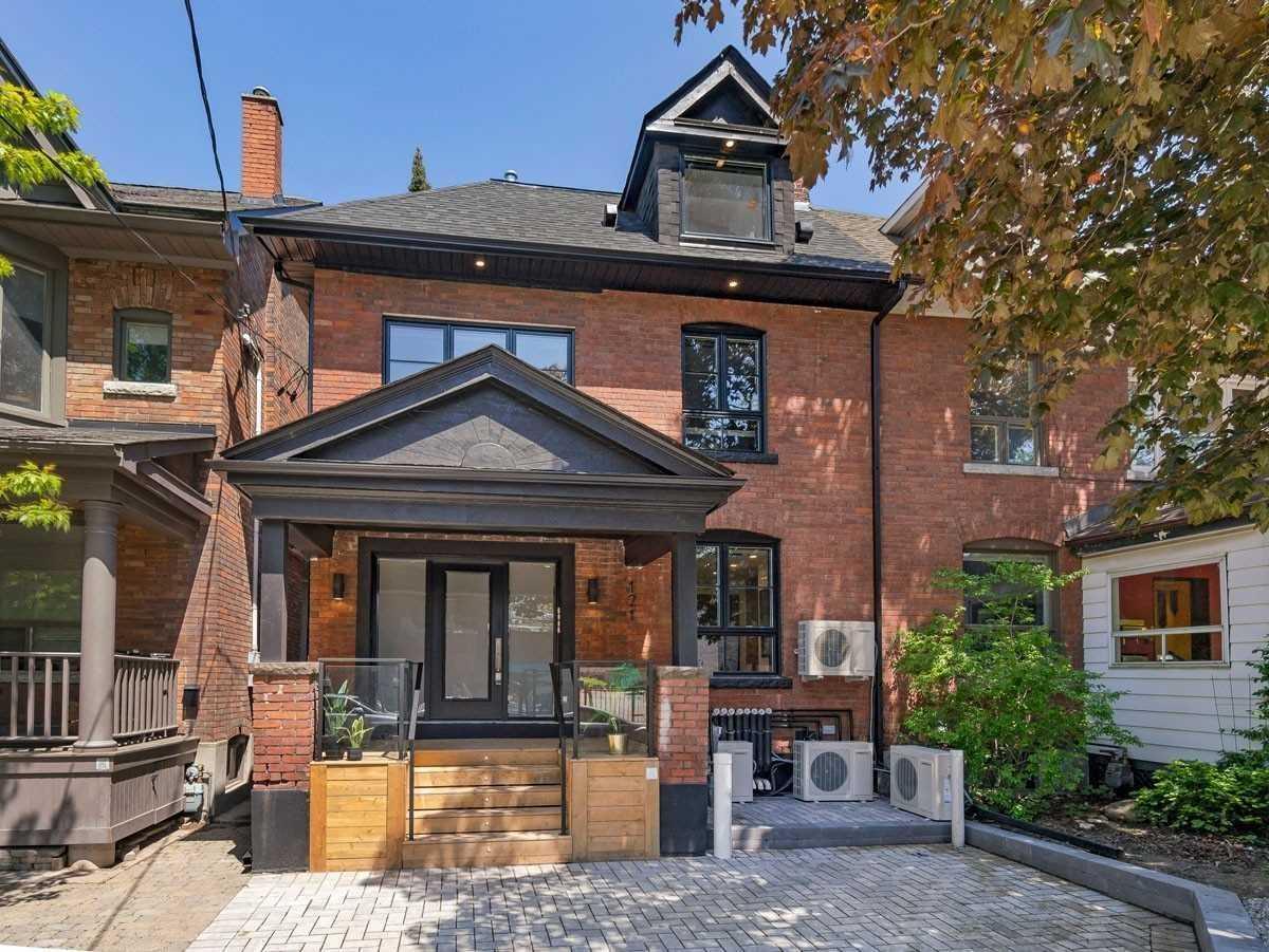 121 Sorauren Ave, Toronto, Ontario M6R 2E3, 5 Bedrooms Bedrooms, 12 Rooms Rooms,5 BathroomsBathrooms,Semi-detached,For Sale,Sorauren,W5354924