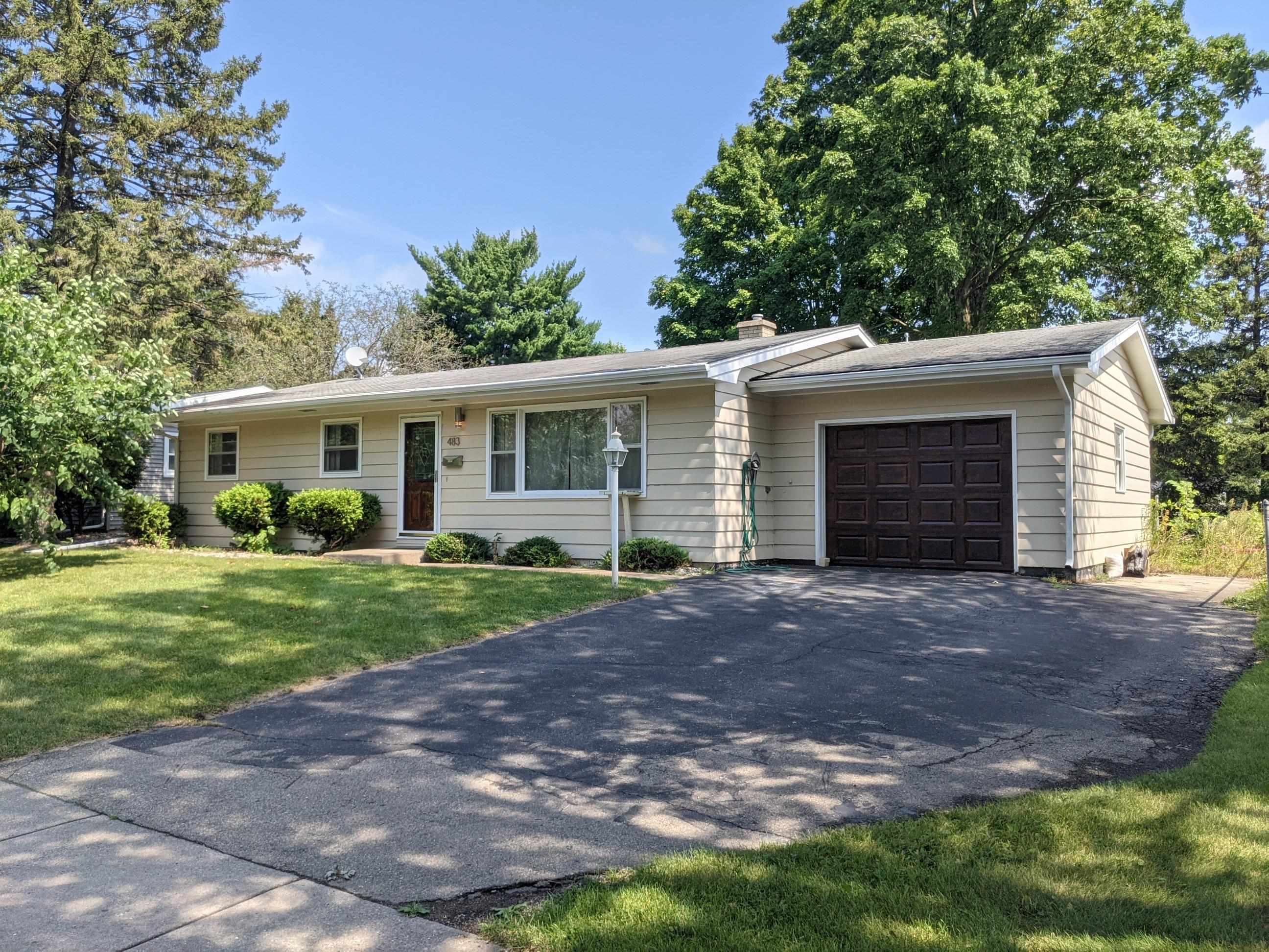 483 Rushmore Ln, Madison, Wisconsin 53711, 4 Bedrooms Bedrooms, ,Rental,For Sale,Rushmore Ln,1918686
