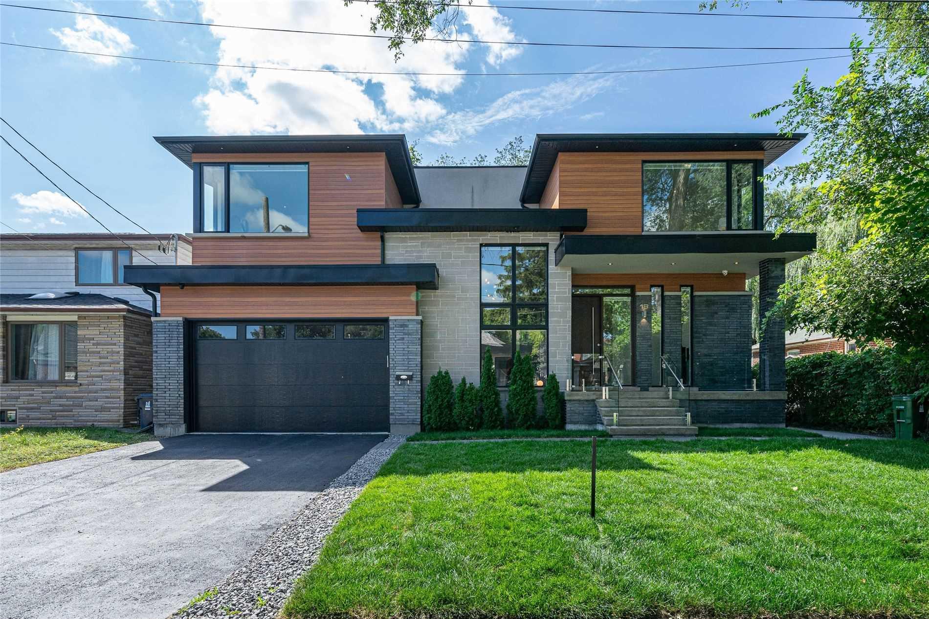 18 Fox Pt, Toronto, Ontario M6M3B2, 4 Bedrooms Bedrooms, 12 Rooms Rooms,5 BathroomsBathrooms,Detached,For Sale,Fox,W5355958