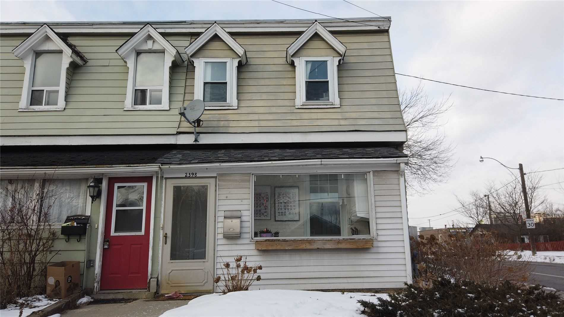 Semi-Detached For Lease In Toronto , ,1 BathroomBathrooms,Semi-Detached,For Lease,Upper,Gerrard
