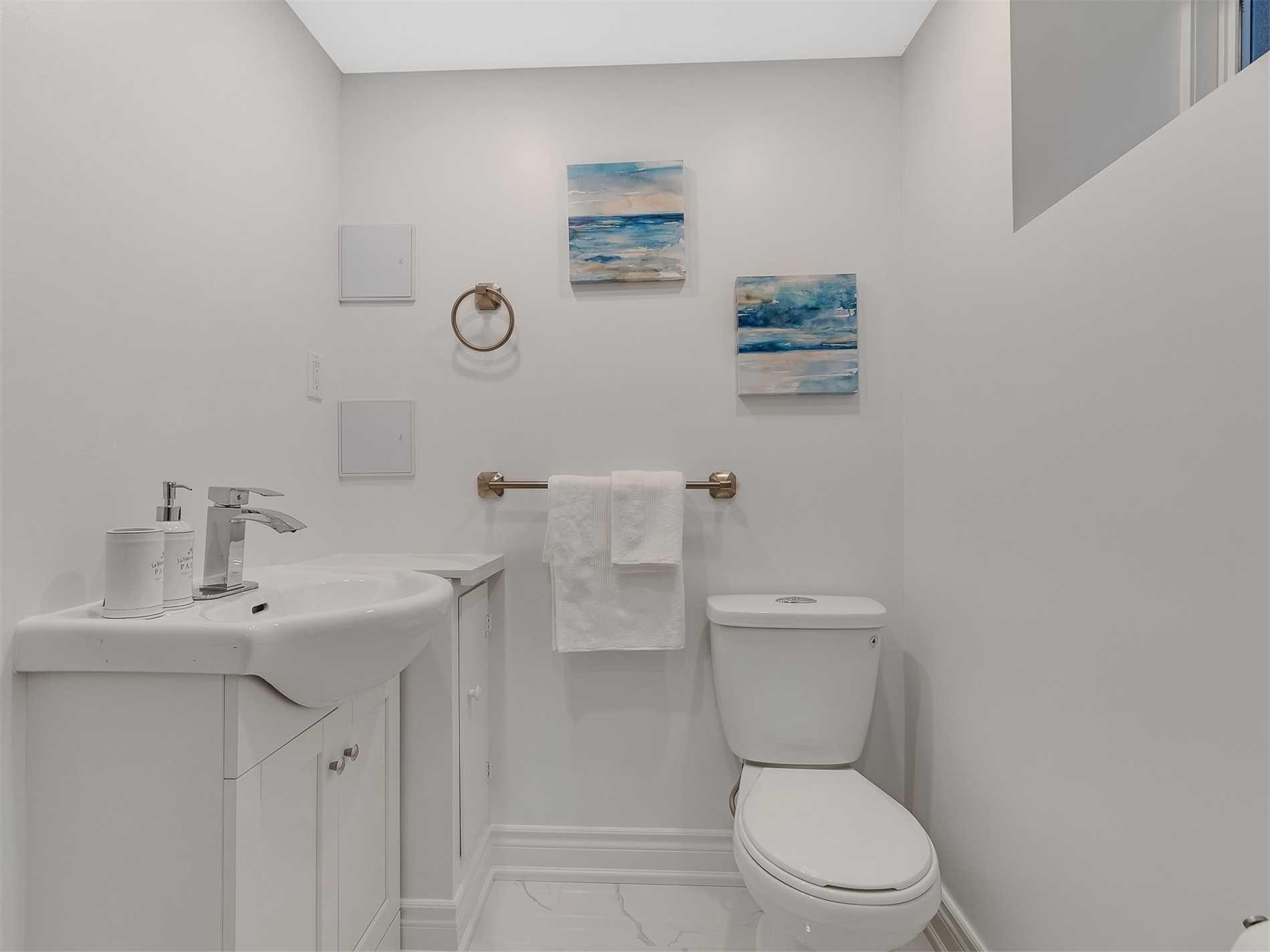 43 Rusholme Park Cres, Toronto, Ontario M6J2E1, 6 Bedrooms Bedrooms, 8 Rooms Rooms,3 BathroomsBathrooms,Detached,For Sale,Rusholme Park,C5358227