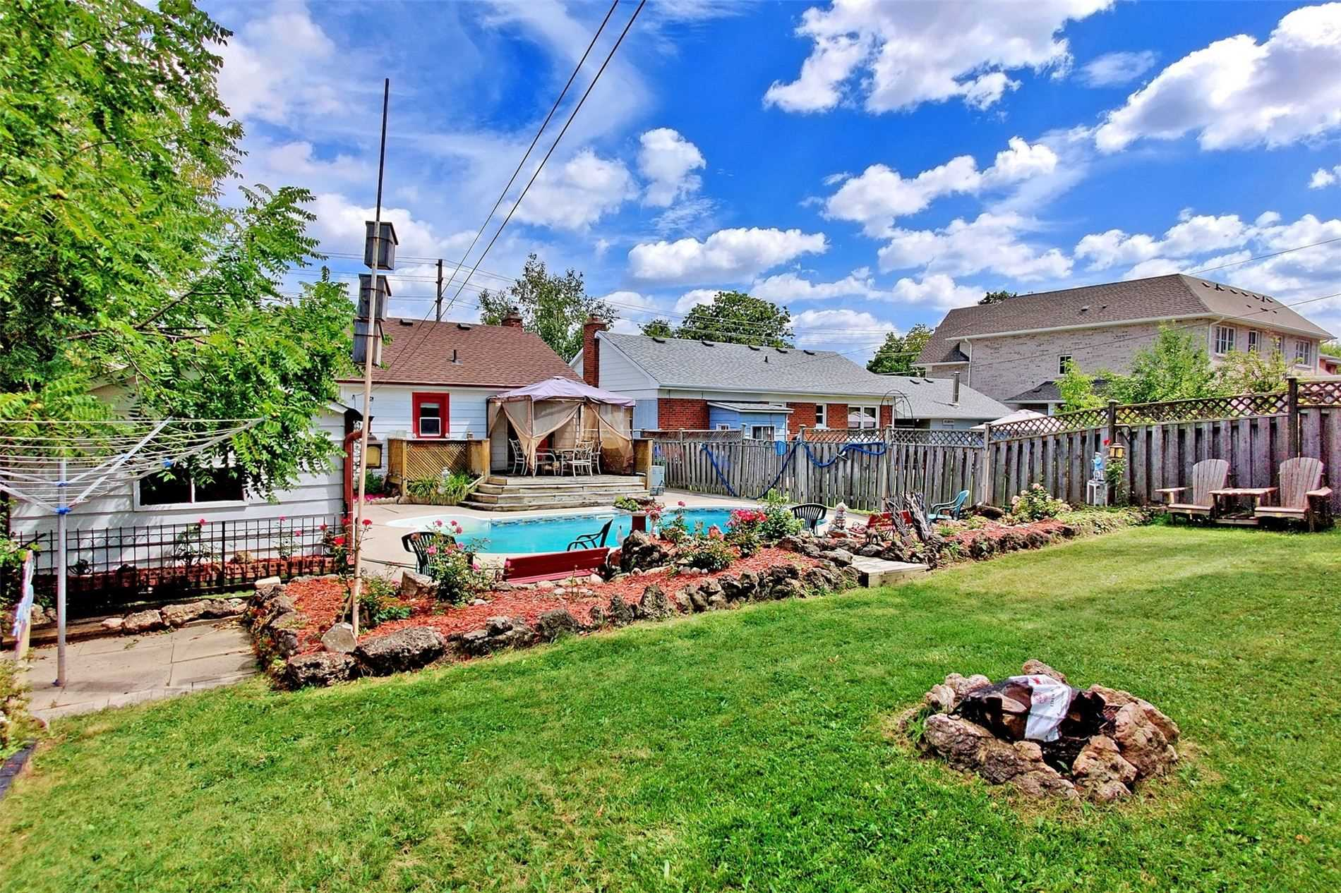 12 Arch Rd, Mississauga, Ontario L5M1M5, 2 Bedrooms Bedrooms, 5 Rooms Rooms,2 BathroomsBathrooms,Detached,For Sale,Arch,W5357932