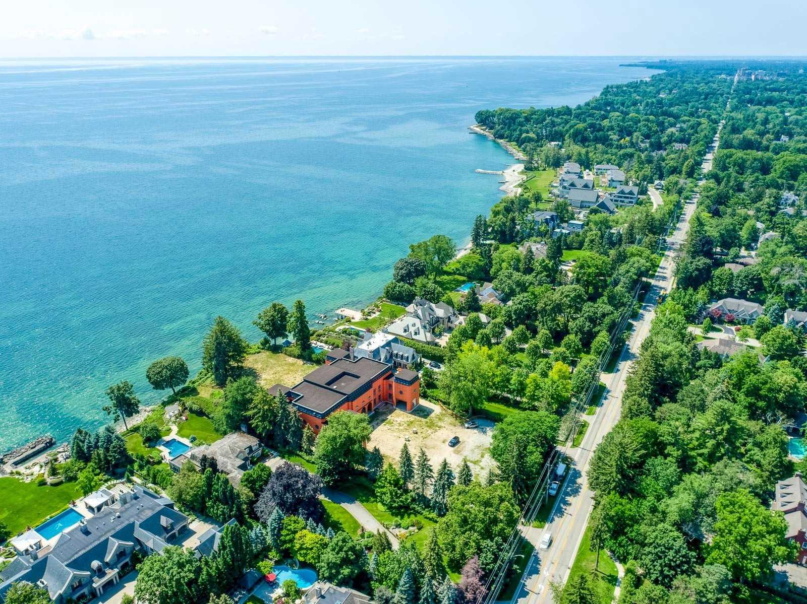 2088 Lakeshore E Rd, Oakville, Ontario L6J1M3, 6 Bedrooms Bedrooms, 15 Rooms Rooms,13 BathroomsBathrooms,Detached,For Sale,Lakeshore E,W5358013