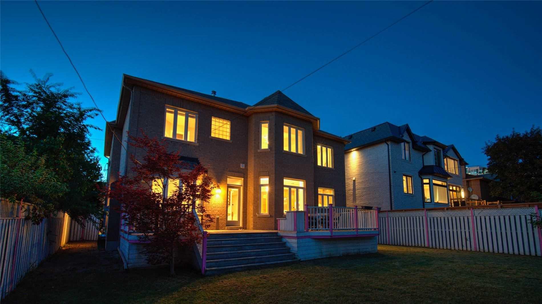 71 Lorraine Dr, Toronto, Ontario M2N2E7, 4 Bedrooms Bedrooms, 13 Rooms Rooms,5 BathroomsBathrooms,Detached,For Sale,Lorraine,C5358413