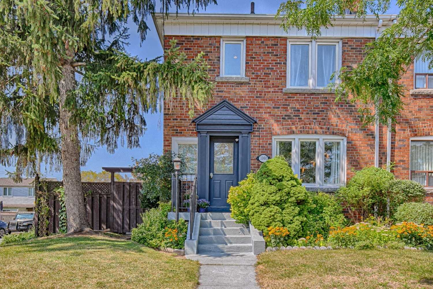 1060 Greenwood Ave, Toronto, Ontario M4J4E3, 4 Bedrooms Bedrooms, 7 Rooms Rooms,2 BathroomsBathrooms,Semi-detached,For Sale,Greenwood,E5359994
