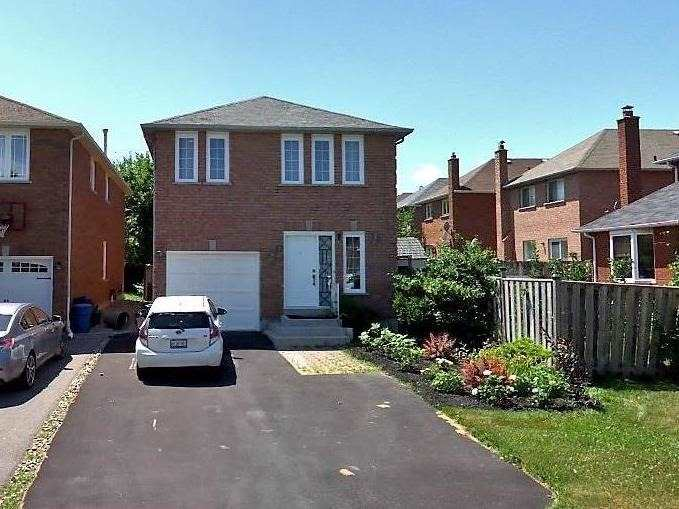 Detached house For Lease In Richmond Hill - 17 Newmill Cres, Richmond Hill, Ontario, Canada L4C9T6 , 4 Bedrooms Bedrooms, ,3 BathroomsBathrooms,Detached,For Lease,Newmill