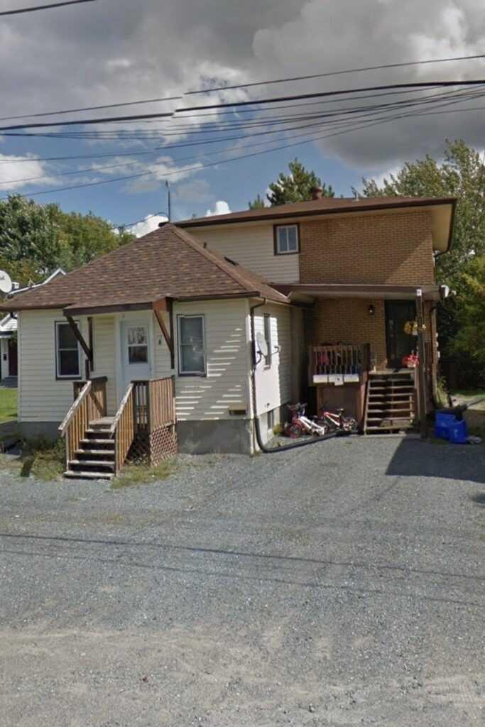 618 Lilac St, Greater Sudbury, Ontario P3E4C, 7 Bedrooms Bedrooms, ,4 BathroomsBathrooms,Detached,For Sale,Lilac,X5360066