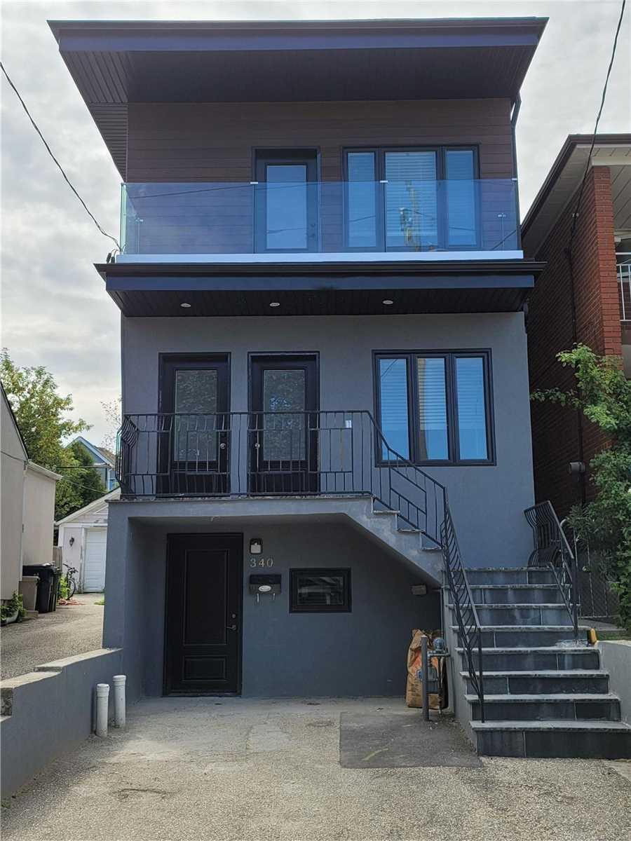 Triplex For Lease In Toronto , 2 Bedrooms Bedrooms, ,1 BathroomBathrooms,Triplex,For Lease,Upper,Atlas