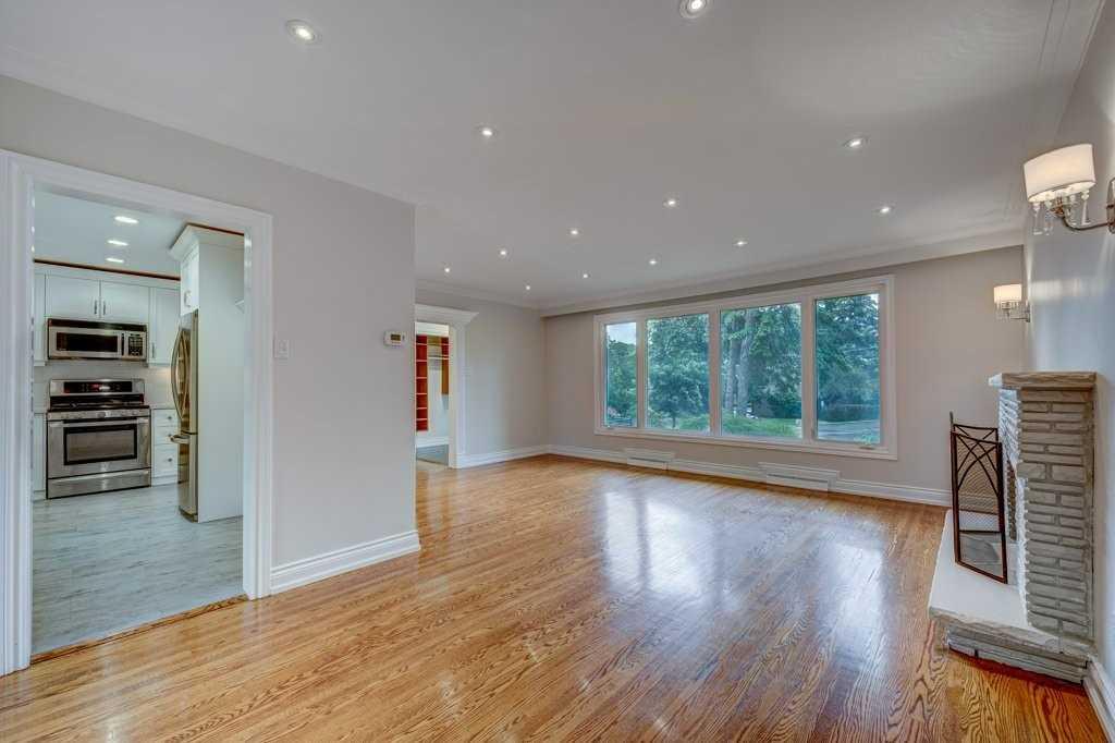 4 Challister Crt, Toronto, Ontario M2K 1X2, 4 Bedrooms Bedrooms, 7 Rooms Rooms,3 BathroomsBathrooms,Detached,For Sale,Challister,C5361075