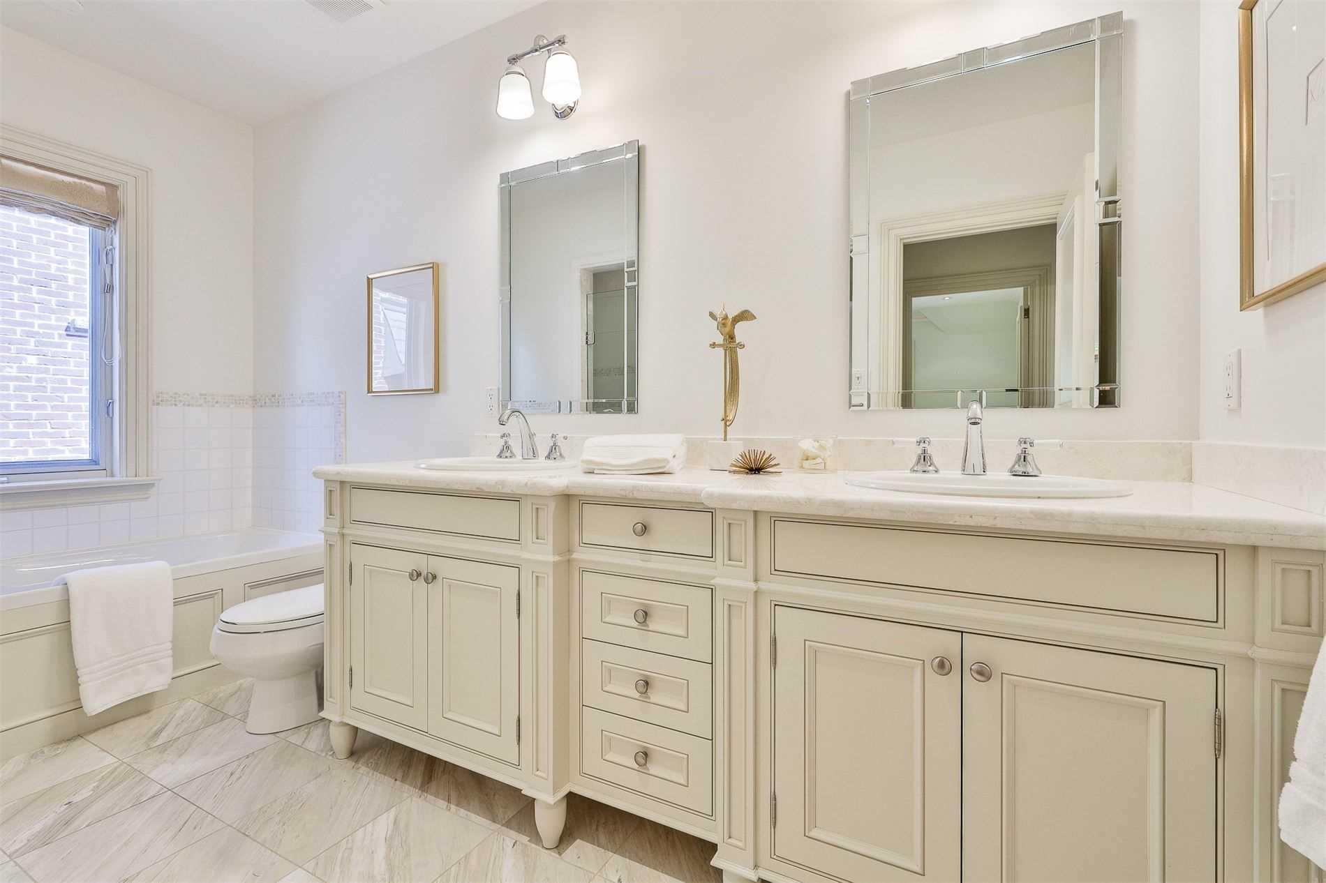269 St Leonard's Ave, Toronto, Ontario M4N1K9, 5 Bedrooms Bedrooms, 11 Rooms Rooms,5 BathroomsBathrooms,Detached,For Sale,St Leonard's,C5361291
