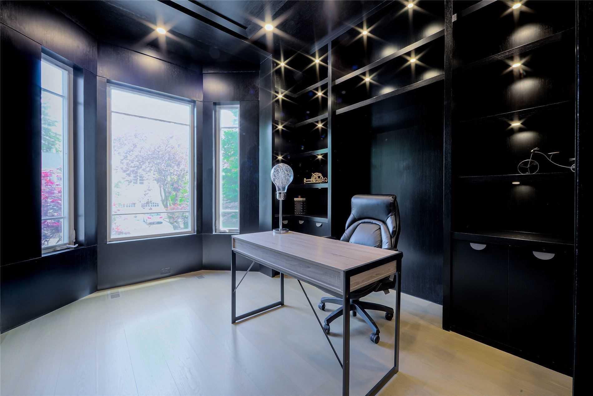 84 Aldershot Cres, Toronto, Ontario M2P1M1, 5 Bedrooms Bedrooms, 10 Rooms Rooms,8 BathroomsBathrooms,Detached,For Sale,Aldershot,C5361493