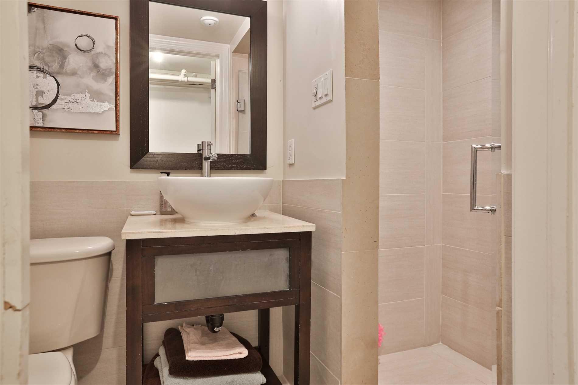 216 Poplar Plains Rd, Toronto, Ontario M4V2N6, 4 Bedrooms Bedrooms, 10 Rooms Rooms,3 BathroomsBathrooms,Semi-Detached,For Sale,Poplar Plains,C5362355