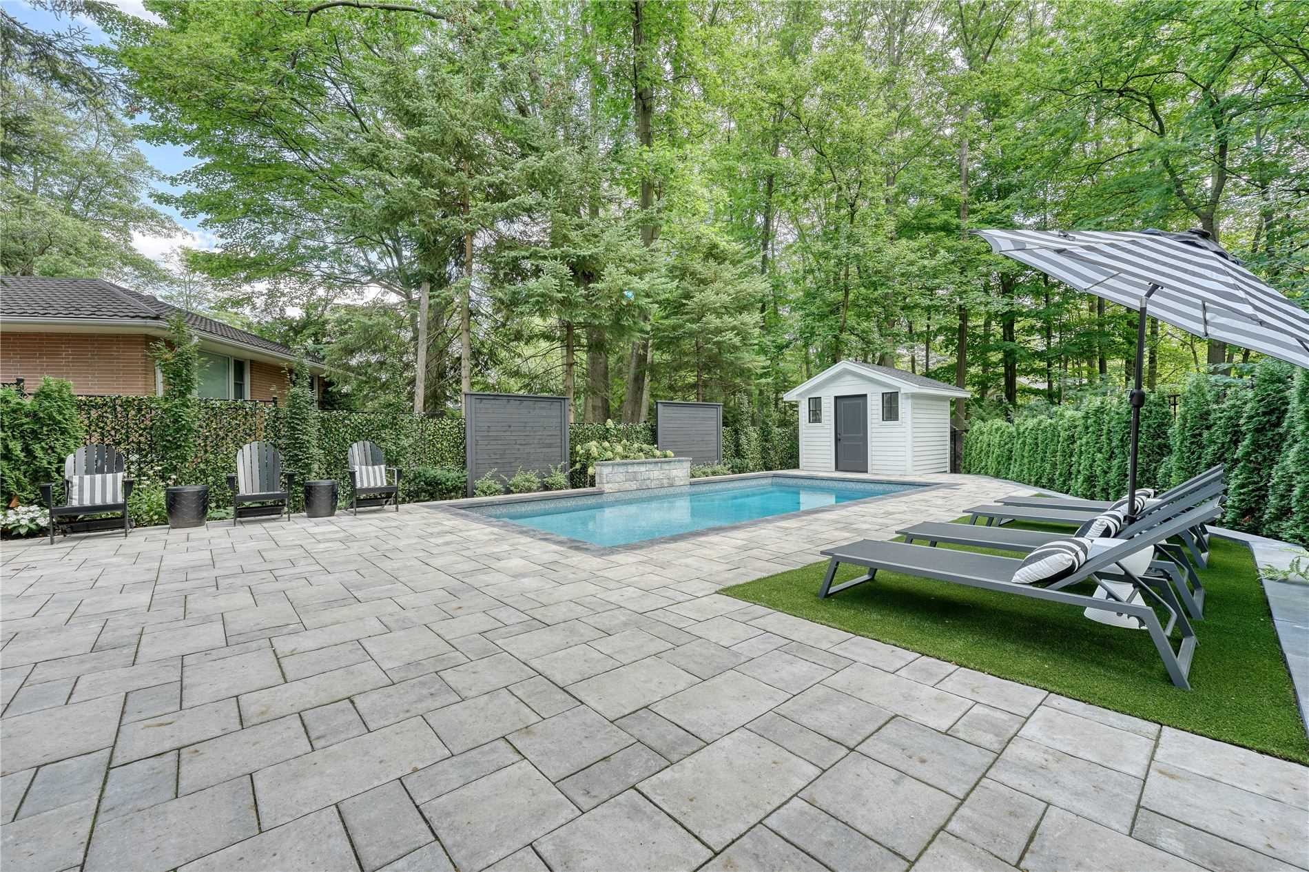 106 Oakes Dr, Mississauga, Ontario L5G3M1, 4 Bedrooms Bedrooms, 12 Rooms Rooms,5 BathroomsBathrooms,Detached,For Sale,Oakes,W5362721